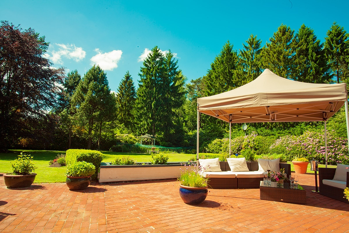 Eleganter Gartenpavillon
